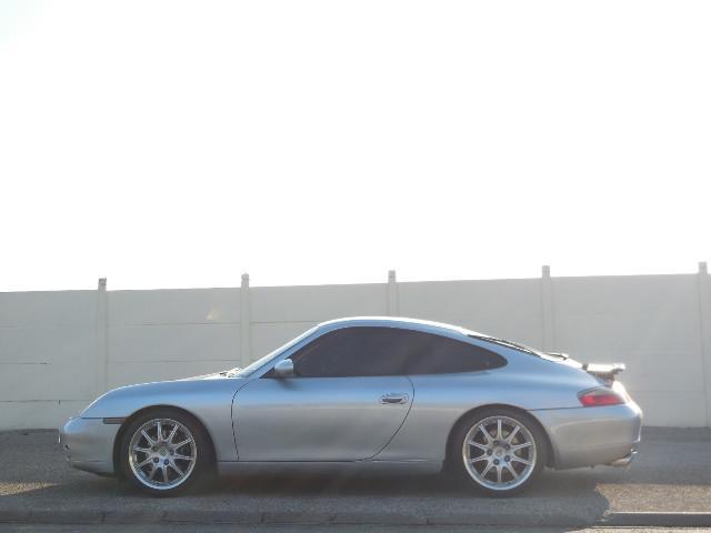 911 Type 996 Carrera